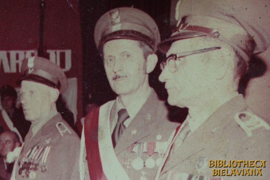 Przekazanie sztandaru 1978 Bielawa Bibliotheca Bielaviana (10)