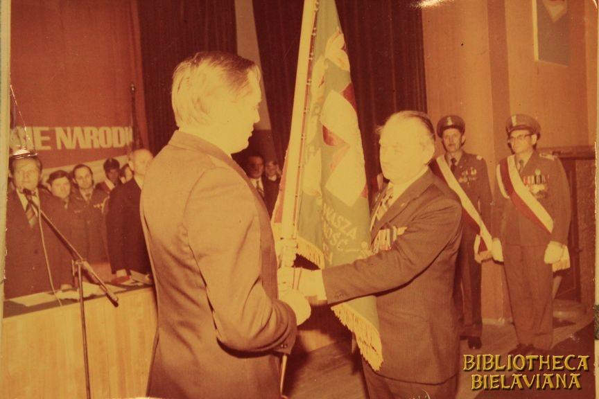 Przekazanie sztandaru 1978 Bielawa Bibliotheca Bielaviana (20)