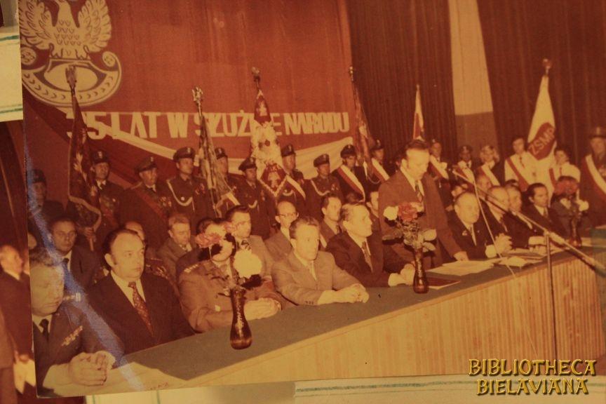 Przekazanie sztandaru 1978 Bielawa Bibliotheca Bielaviana (23)