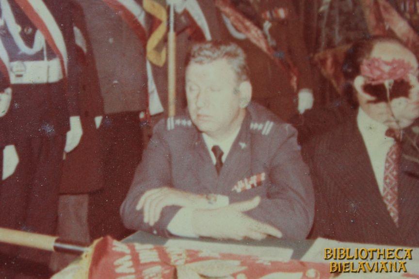Przekazanie sztandaru 1978 Bielawa Bibliotheca Bielaviana (8)
