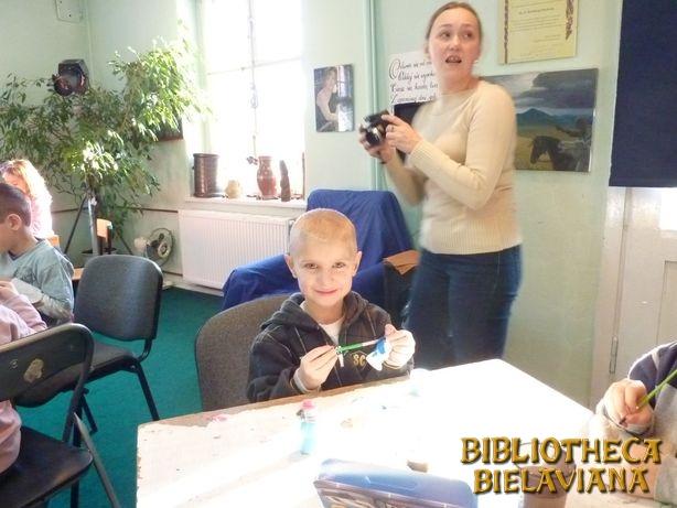 Warsztaty plastyczne Bielawa Bibliotheca Bielaviana (26)